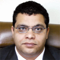 د. مصطفى اللباد