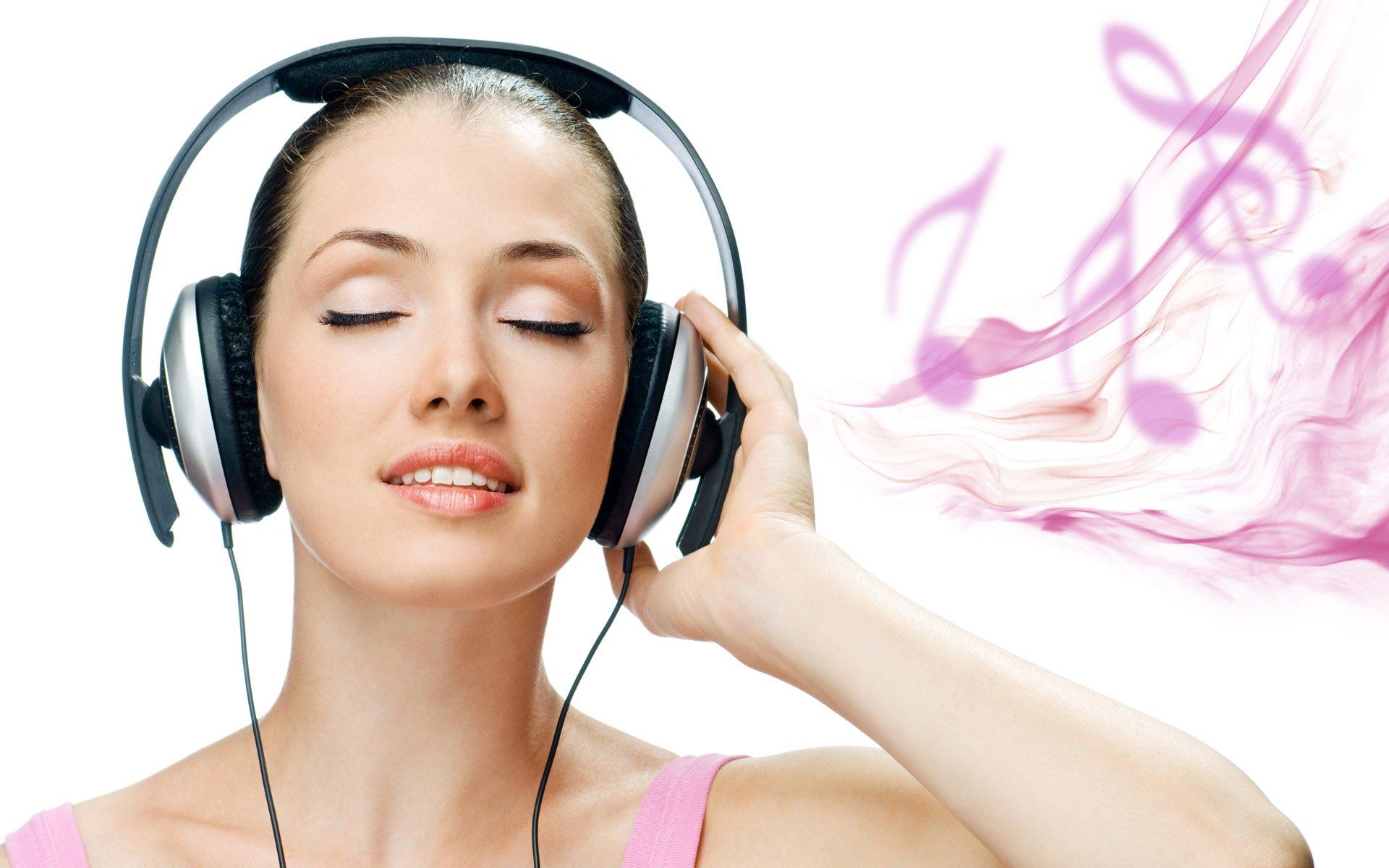 سماعات الأذن تقودك للإصابة بالصمم