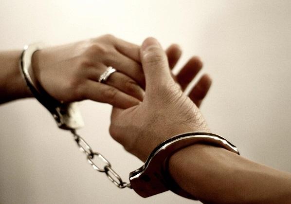 شرطة دبي تخرج سجينا للزواج ثم تعيده لمحبسه