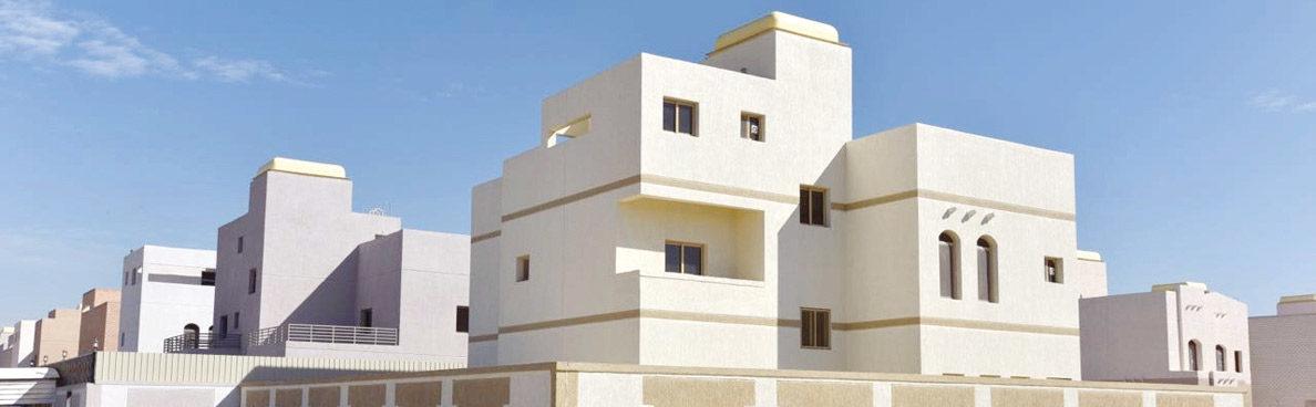 أسر تستولي على 21 بيتاً حكومياً في مدينة «صباح الأحمد»