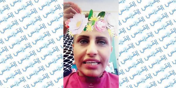 سعودية تحلق شعرها تضامناً مع مرضى السرطان