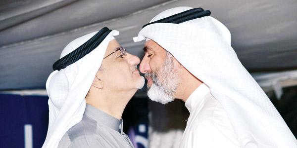 خليل عبدالله يتلقى التهاني - تصوير أحمد سرور