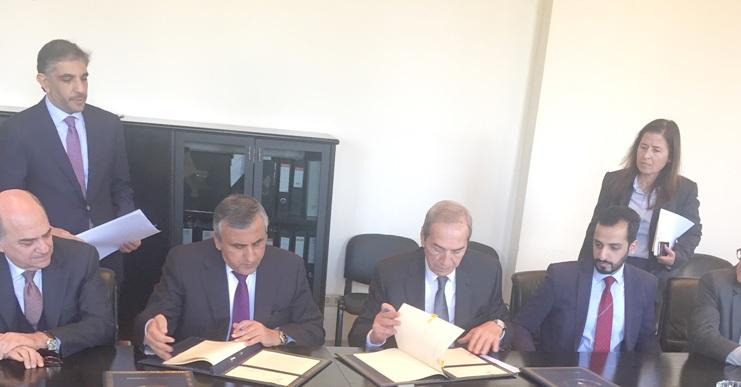 الكويت توقع اتفاقيتي قرض ومنحة مع لبنان
