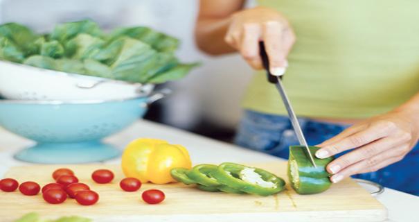 لماذا يزداد التسمم الغذائي صيفاً؟