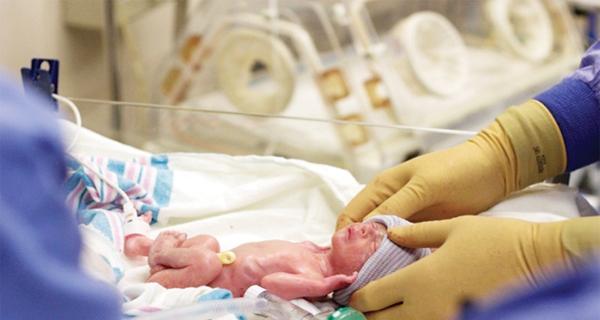 أطفال الأنابيب أكثر عرضة للإصابة بعيوب القلب