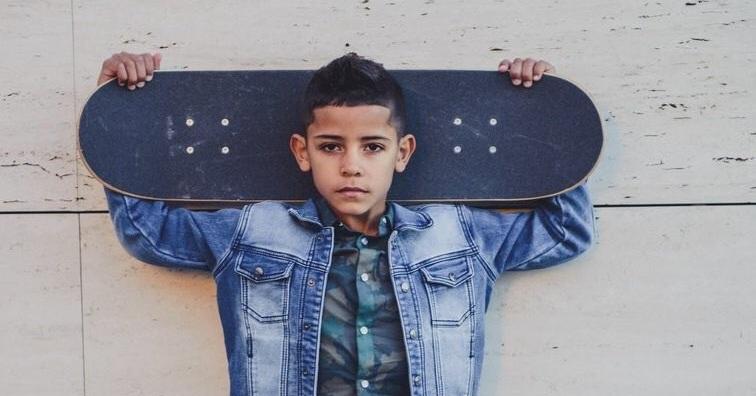 ابن كريستيانو رونالدو يقتحم عالم الموضة