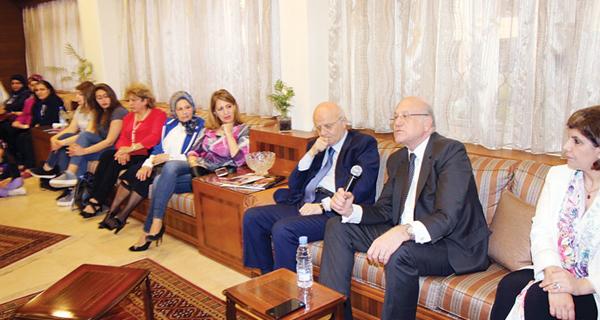 لبنان محكوم بديموقراطية طائفية توافقية.. فهل تتغير؟!