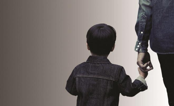 «أقارب.. عقارب».. ينهشون براءة أطفالهم