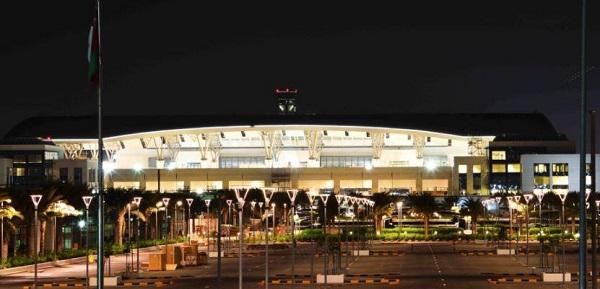 سلطنة عمان تغلق مطار «صلالة» تجنبا لمخاطر «مكونو»