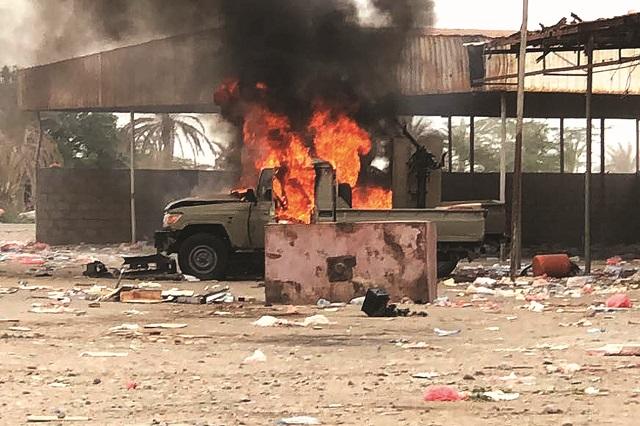 الحوثي سيسلم الحديدة حرباً أو سلماً