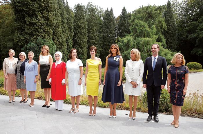 زوجات وصديقات قادة الدول الكبرى.. الموسيقى جمعتهن
