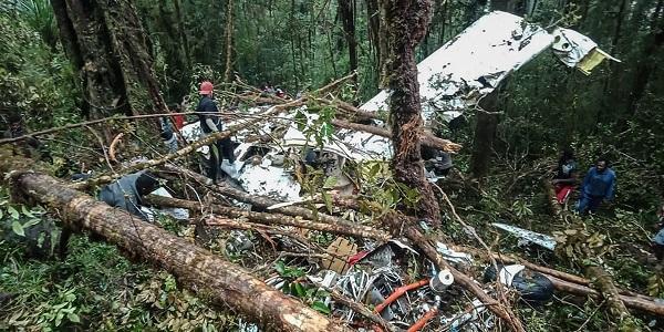 مصرع 8 أشخاص في تحطم طائرة ركاب خفيفة بأندونيسيا