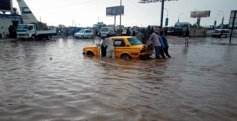 أمطار غزيرة تعطل الدراسة والحركة في الخرطوم
