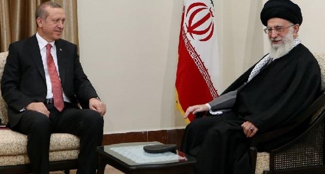 أردوغان يجتمع بخامنئي في طهران بعد قمة بشأن سوريا