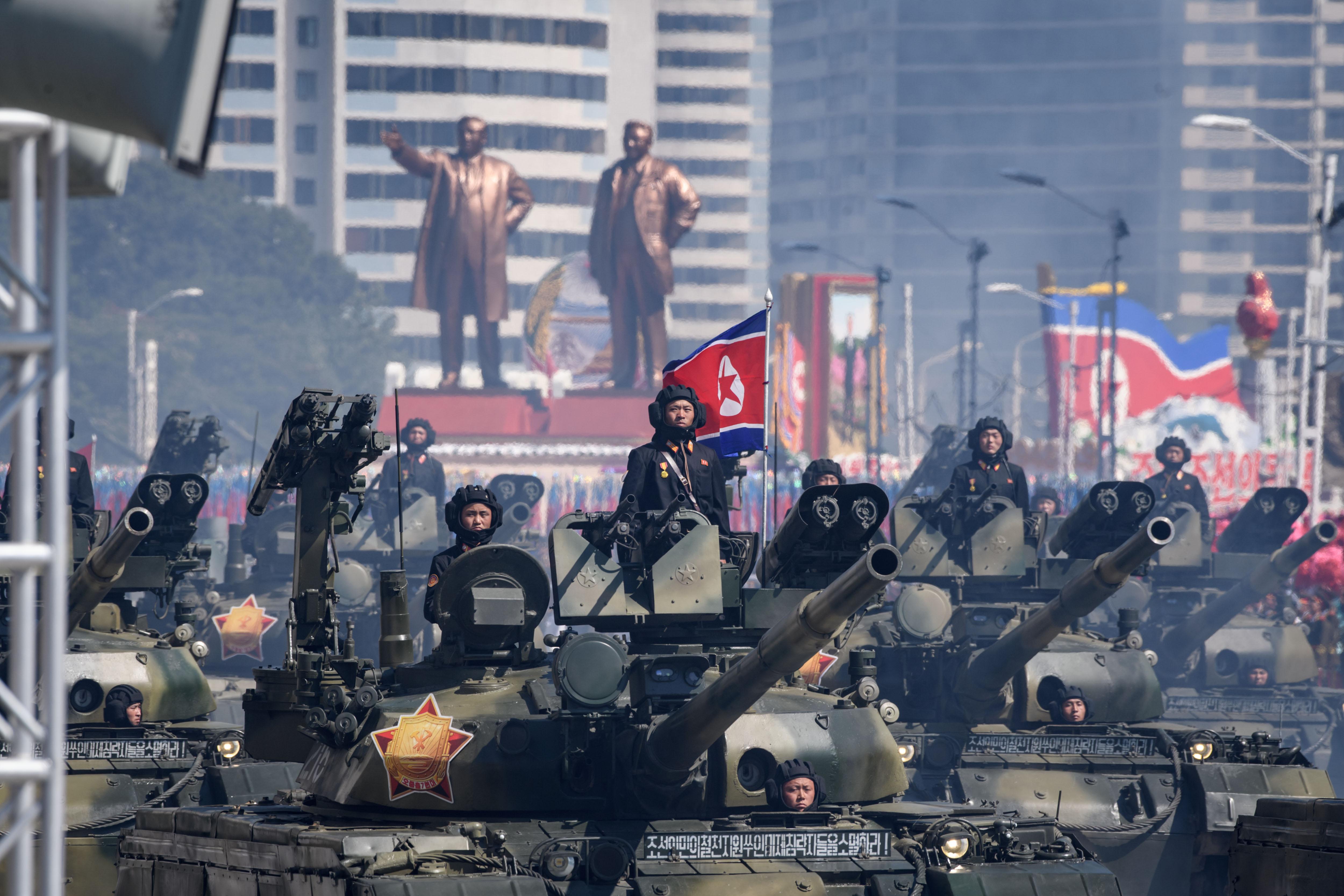 كوريا الشمالية تحتفل بعيدها دون صواريخها