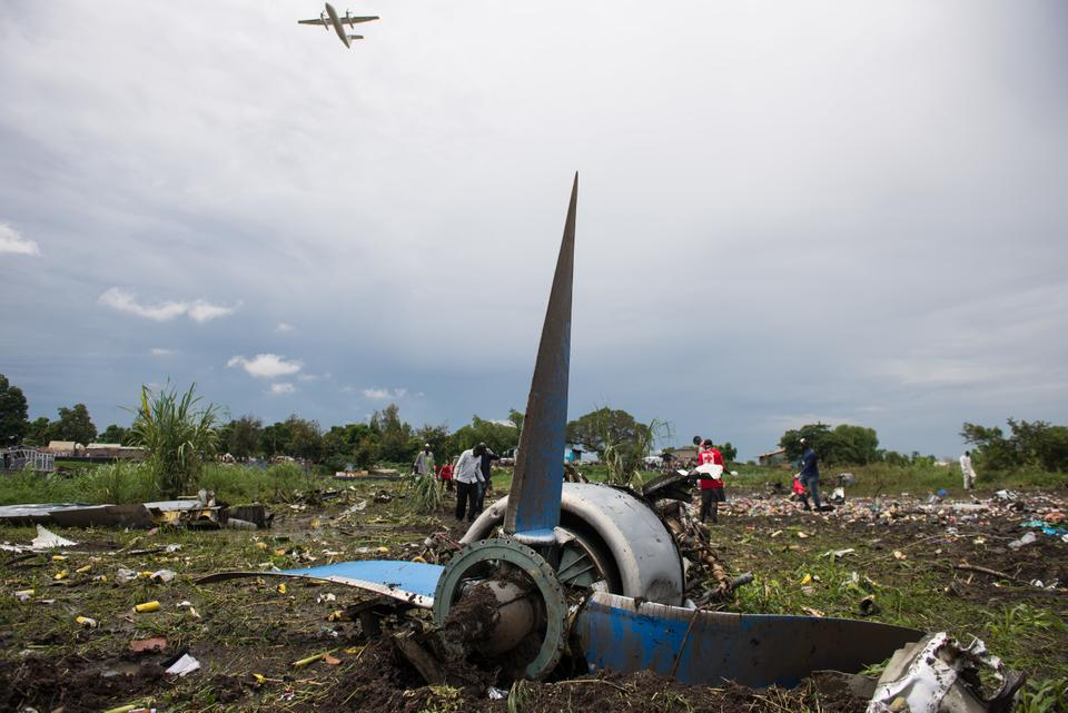 مقتل 19 شخصًا بتحطم طائرة مدنية في جنوب السودان