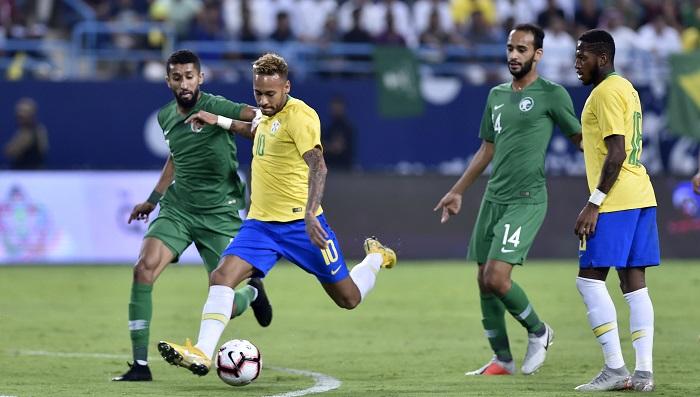 البرازيل تفوز على السعودية بهدفين نظيفين