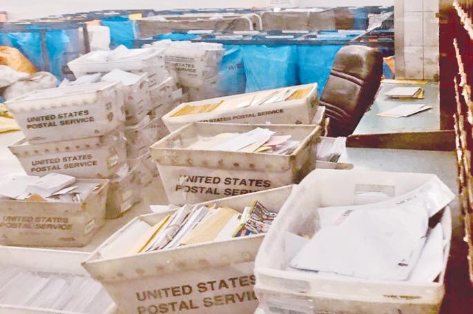 شكاوى من تكدّس الطرود البريدية