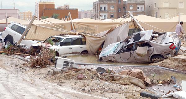 الأمطار حدثٌ استثنائي في الكويت.. والسلطتان في استنفار