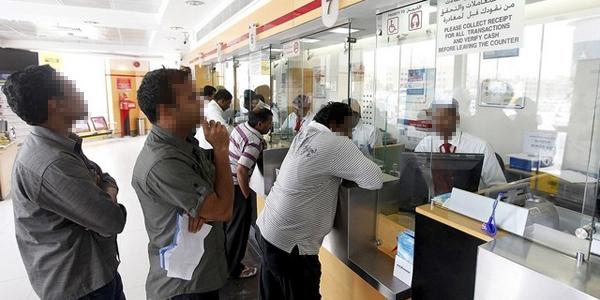 شركات الصرافة تتشدد في تنفيذ متطلبات «المركزي» بشأن التحويلات