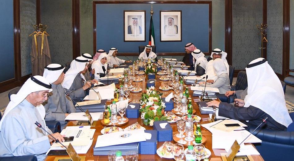 مصادر: الحكومة تحسم خيارها غدا استقالة أو إجراء تعديل وزاري