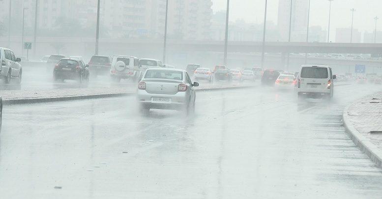 أمطار متفرقة على البلاد.. و«الداخلية» تدعو للحذر