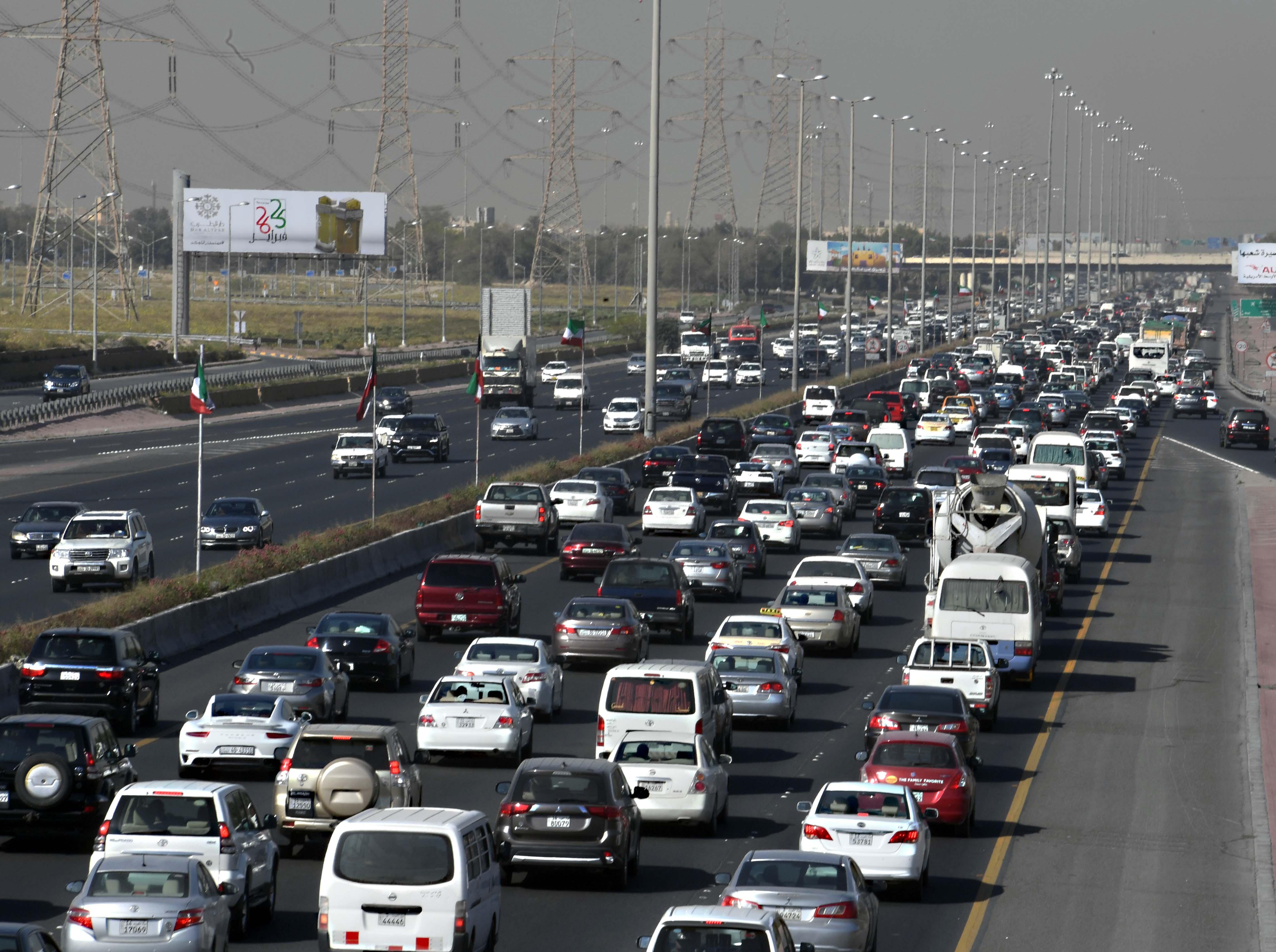 81 % من الوافدين في الكويت لايملكون سيارات