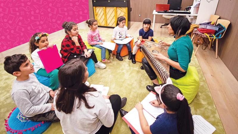تعليم الغناء في أحد فصول مدرسة الموسيقى